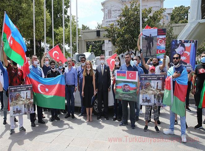 Sivil toplum kuruluşu üyeleri , Ermenistan'ın Azerbaycan'a saldırılarını protesto etti